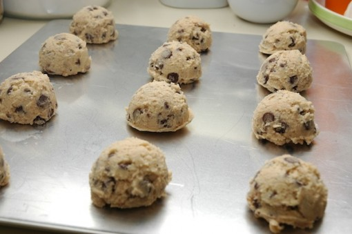 chocolate chip cookies, ready to bake!